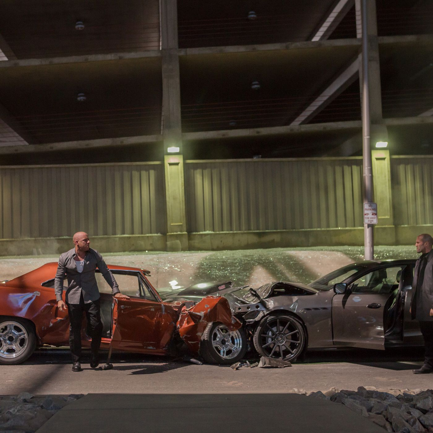 Furious 7 Review Bigger Crazier And Kind Of A Mess The Verge