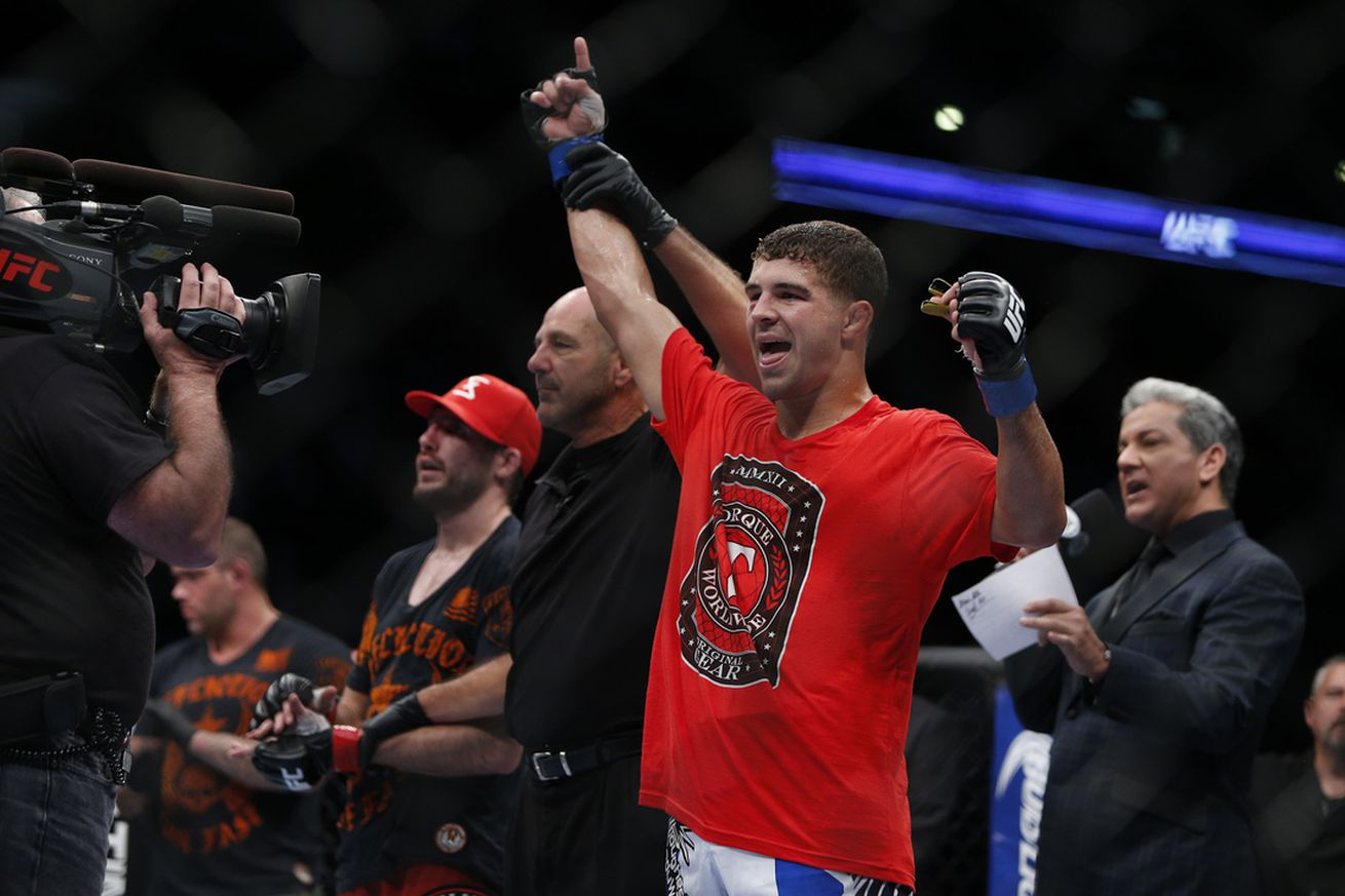 Joe Lauzon: Al Iaquinta is 'trying to get fired at this point'