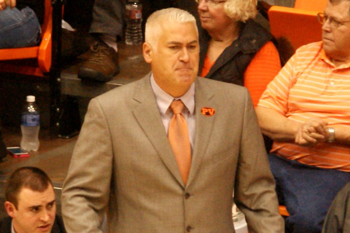Coach Wayne Tinkle suffered his first loss at Oregon St. after his Beavers ran out of gas in the final quarter of the game against Oklahoma St.