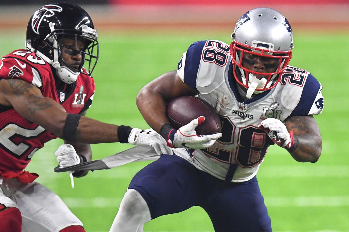 James White signs 3-year extension