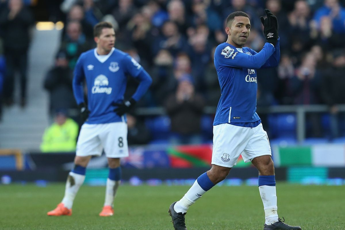 Aaron Lennon leaves the pitch in the 76th minute. Is this where the match turned?