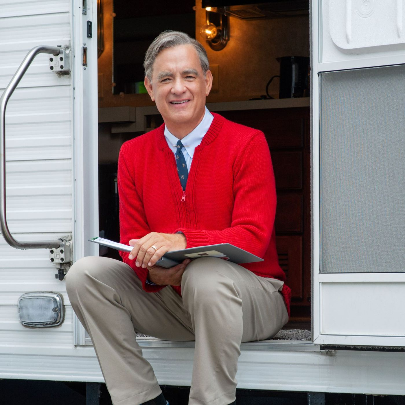 Watch The First Trailer For The Mister Rogers Movie Starring Tom Hanks Polygon