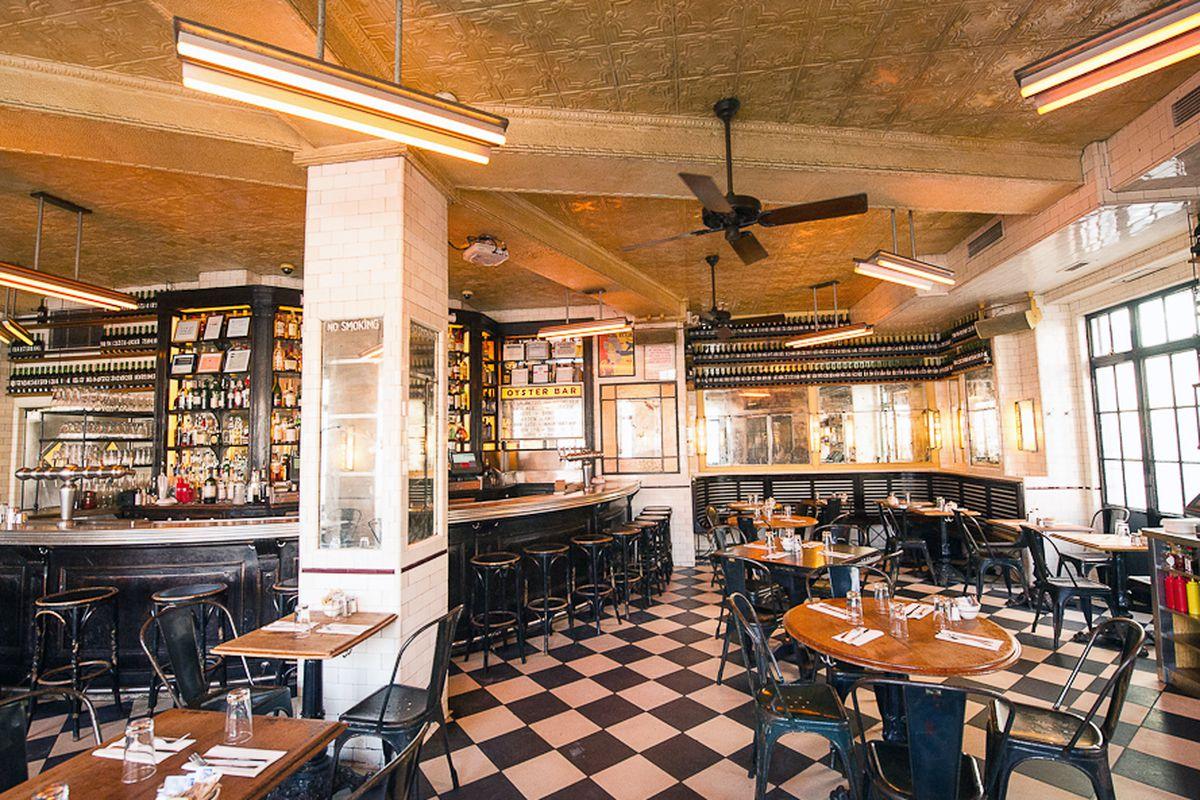 In Defense Of Schiller S Liquor Bar One New York Great Restaurants