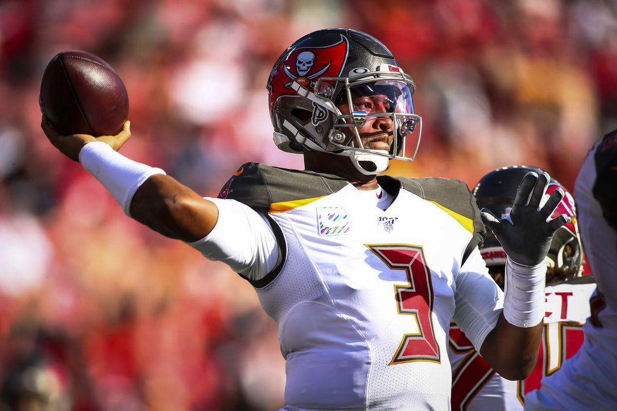 Jameis Winston of the Tampa Bay Buccaneers drops back to pass during the game against the Arizona Cardinals on November 10, 2019 at Raymond James Stadium in Tampa, Florida.