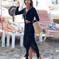 Elle MacPherson in St. Tropez
