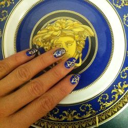"""Day off! After a great session at <b>The Swan Pilates</b> in Manhattan I get home and try to relax—but I get distracted. A decorative <b>Versace</b> plate my friend gave me inspires me to do some nails! I match <b>Uslu Airlines</b> <a href=""""http://www.usl"""