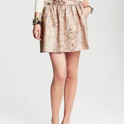 "Bronze Floral Jacquard Full Skirt,<a href=""http://bananarepublic.gap.com/browse/product.do?vid=1&pid=950069002""> Banana Republic</a>, $98"