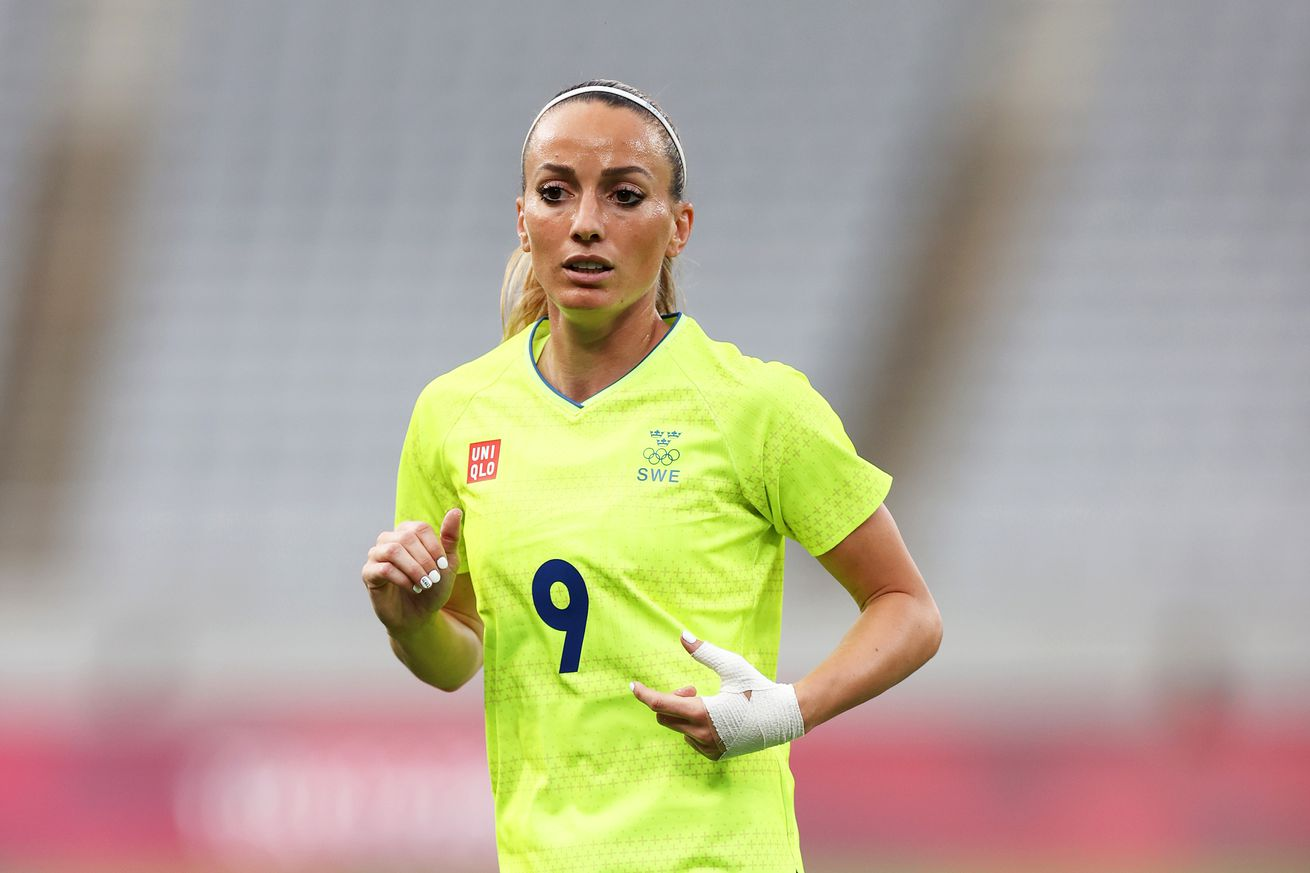 Asllani and Sweden rout the USWNT 3-0