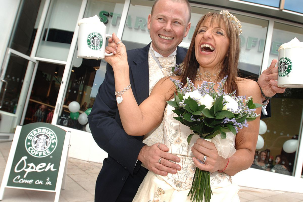 Another couple weds at Starbucks.