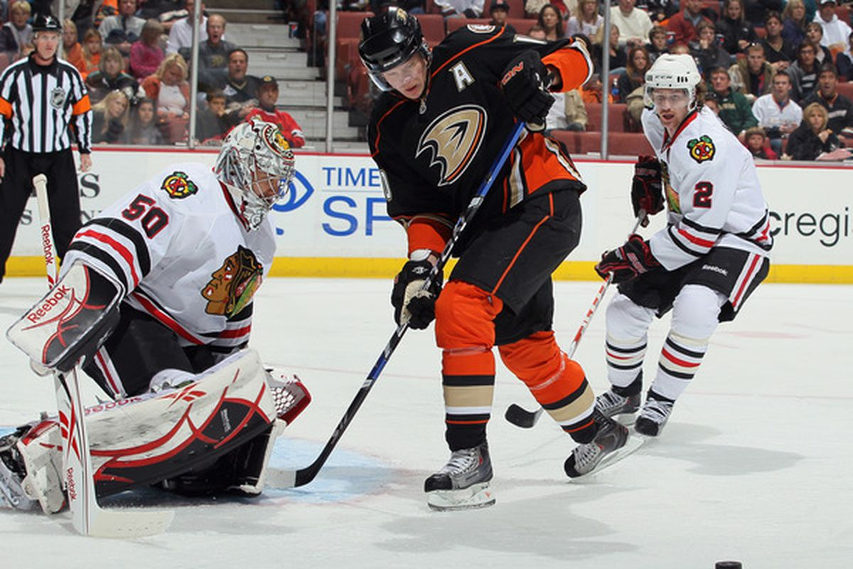 Jonas Hiller turned aside 39 shots to help the Anaheim Ducks take a 2-1 win over the Chicago Blackhawks at Honda Center. Andreas Lilja and Corey Perry scored for the Ducks, winners of three straight.