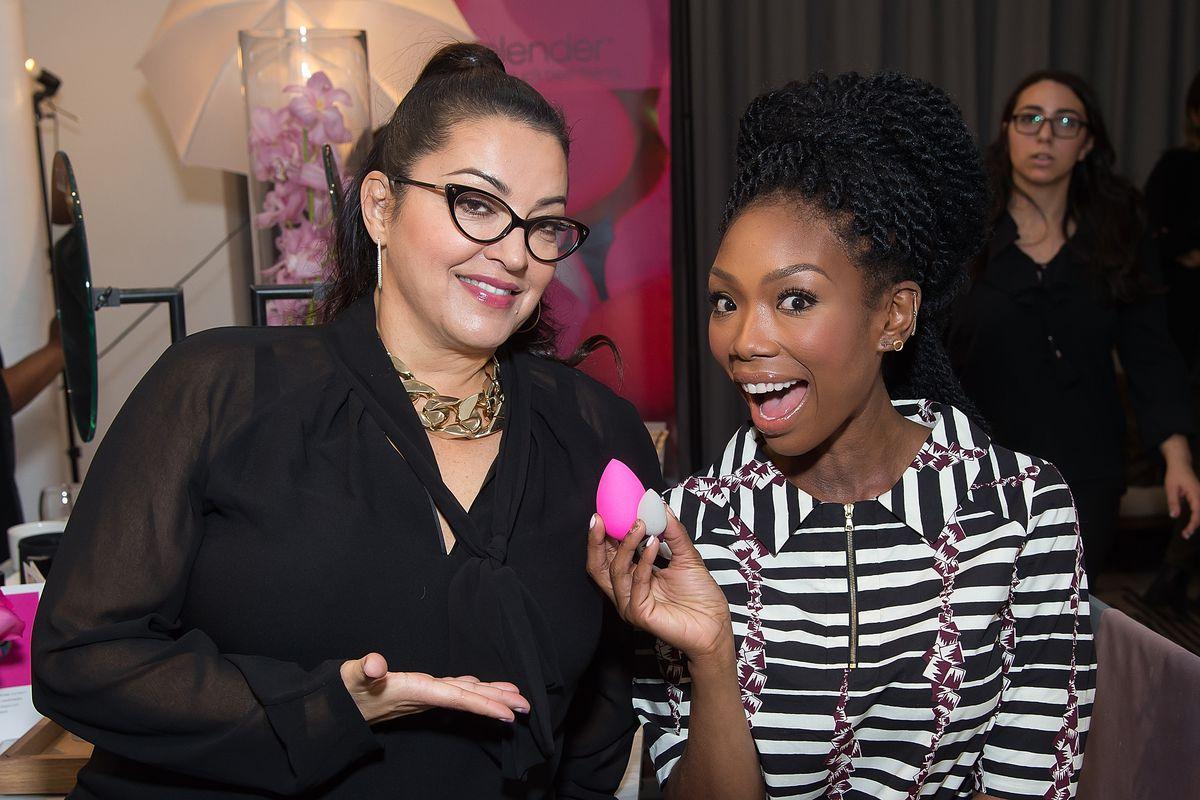 How Beautyblender Changed Makeup Sponges Forever Racked Egg Drop Beauty Blender Contouring Sponge Creator Rea Ann Silva With Brandy Norwood Image Michael Stewart