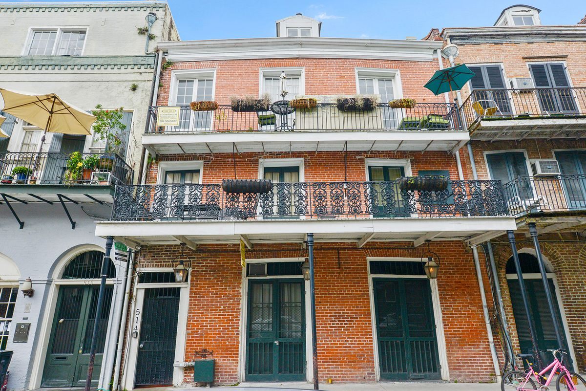 You Can This 220 Square Foot French Quarter Condo For 185k