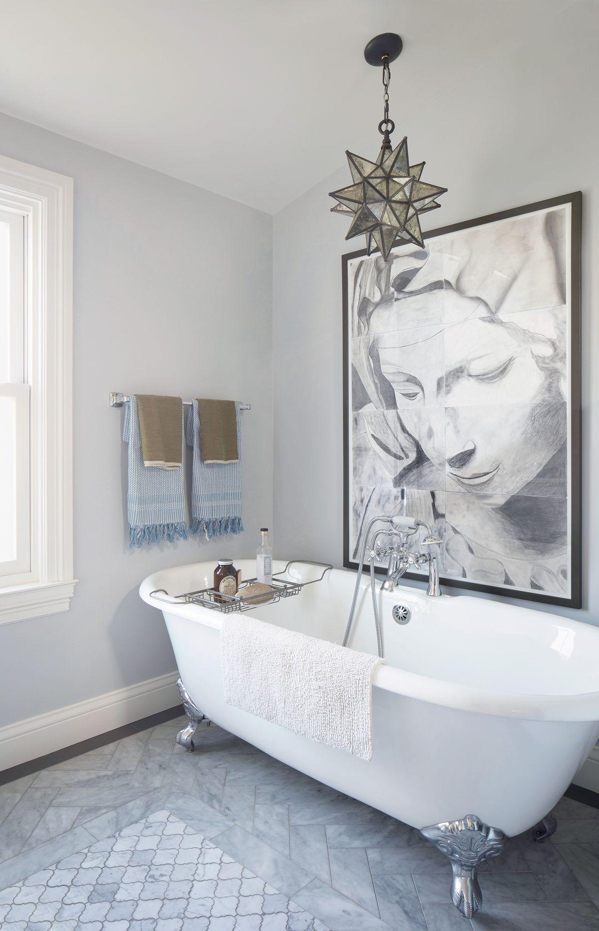 Reed House, bathtub