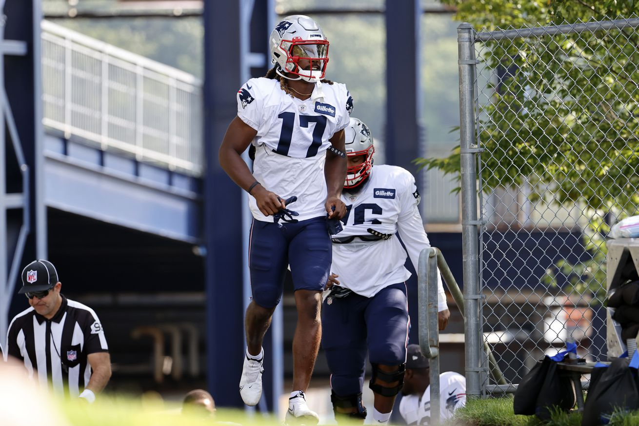 NFL: AUG 25 New England Patriots New York Giants Joint Training Camp