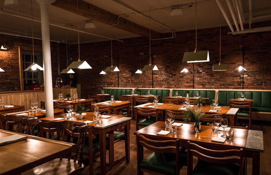 look at candide a new little burgundy restaurant inside. Black Bedroom Furniture Sets. Home Design Ideas