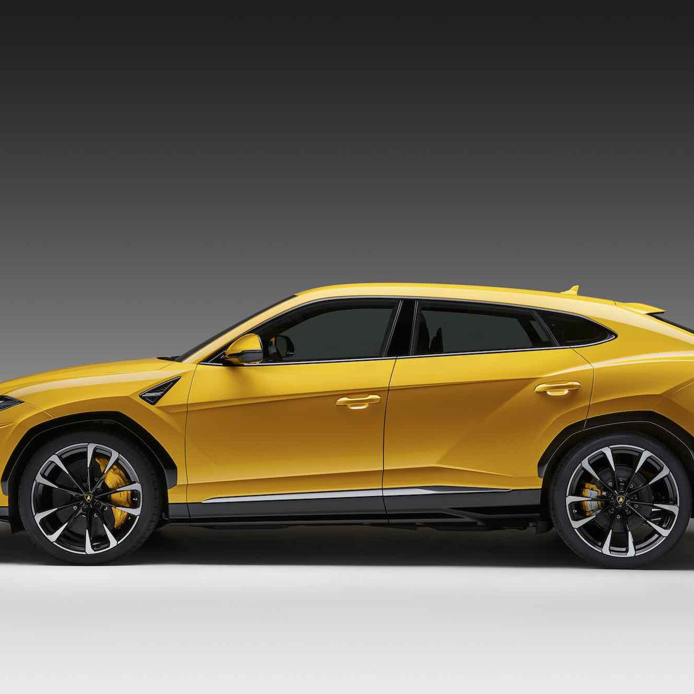 The Lamborghini Urus And The Case For Super Luxury Suvs The Verge