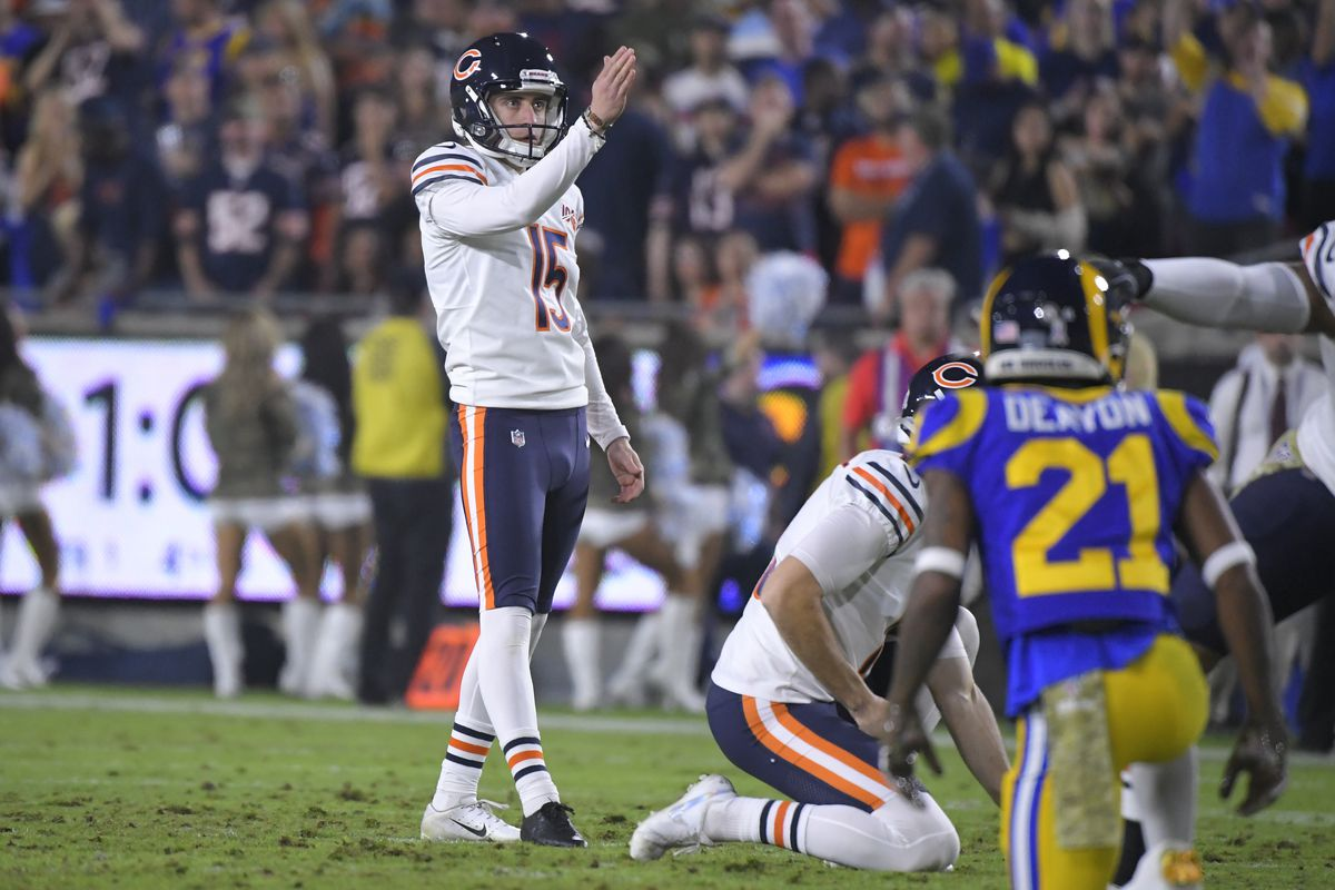 Eddy Pineiro missed wide left and wide right in the first quarter of the Bears' loss to the Rams on Sunday.