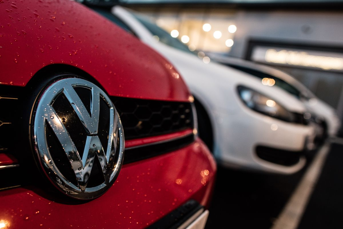 Fired Employee Says Volkswagen Deleted Data About Emissions Scandal