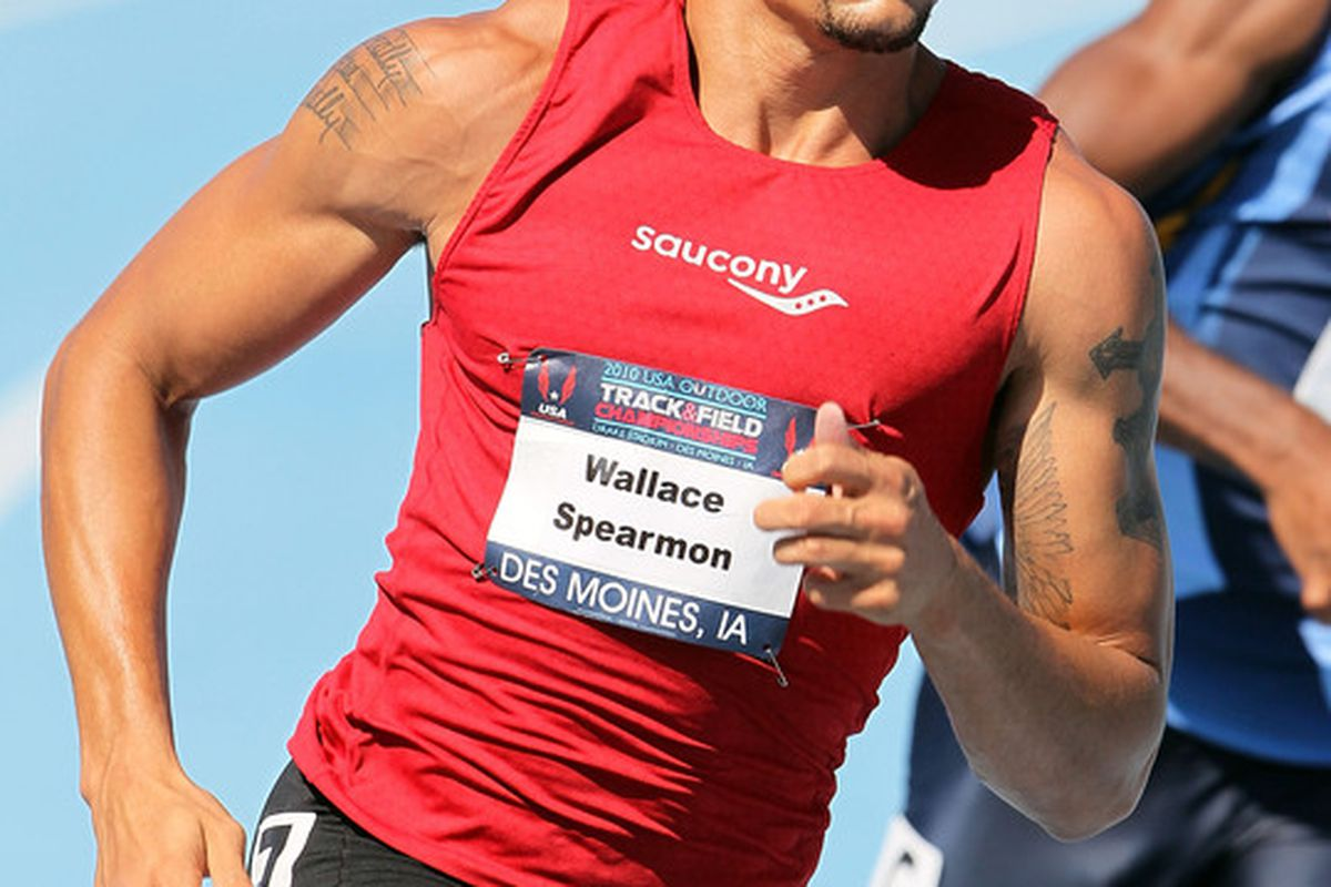 Arkansas's Wallace Spearmon, Jr. (USA) advanced to the semis in the men's 200m.