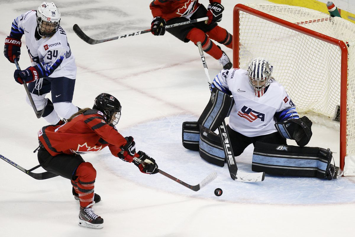 Victoria Bach's overtime goal lifts Canada to first Rivalry Series win