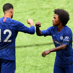 RLC & Willian demonstrate the COVID-five