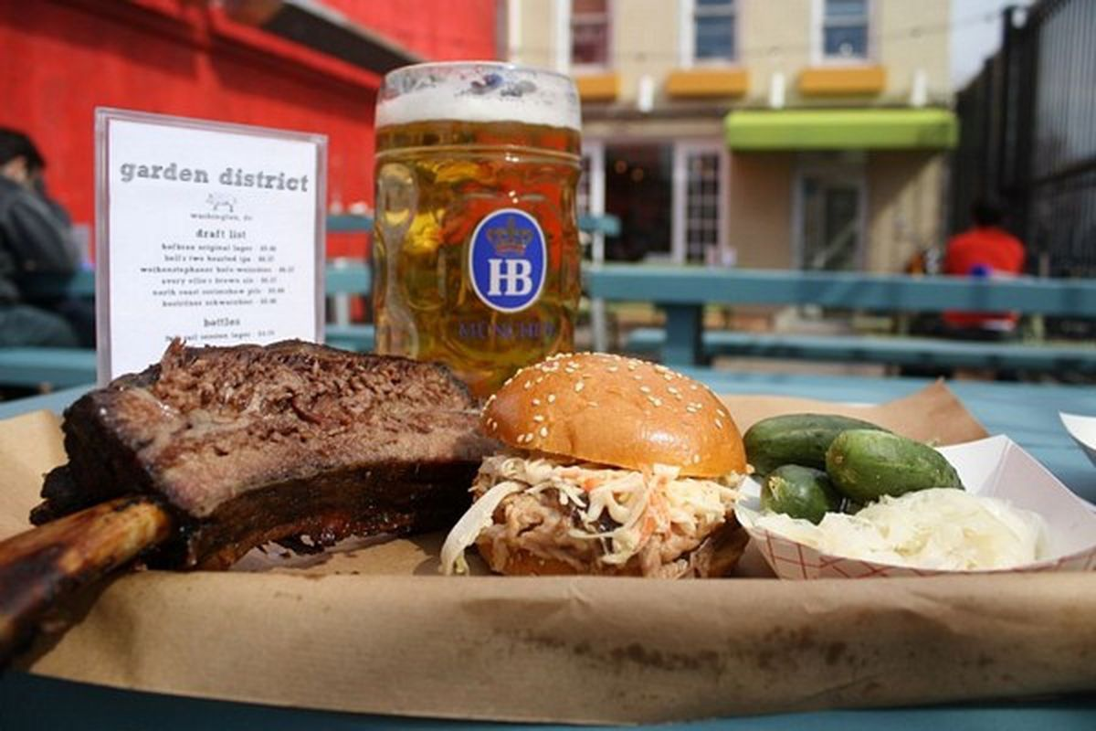 Garden District To Transform Into a Christmas Beer Garden - Eater DC