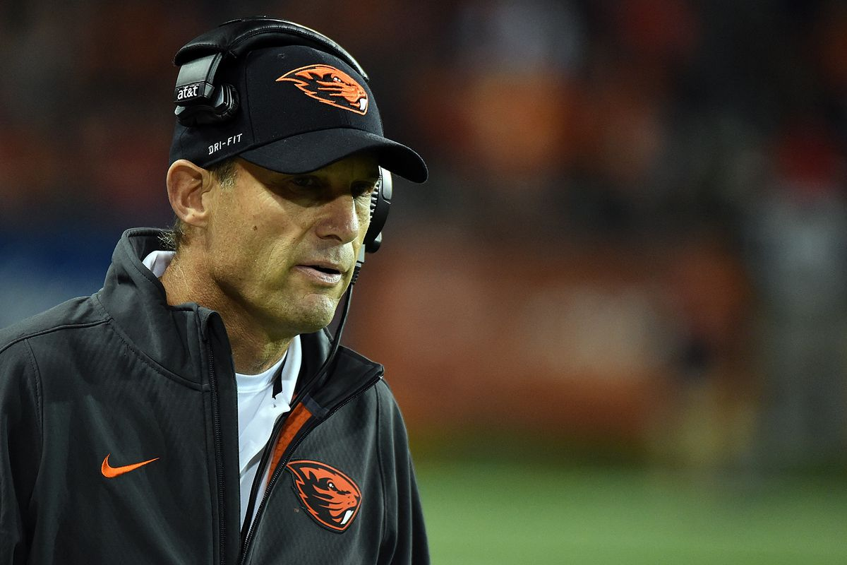 Oregon State football coach Jonathan Smith adds Mike Riley to his staff