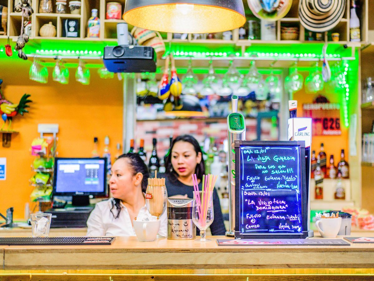 Snack shops and cafes in Elephant and Castle