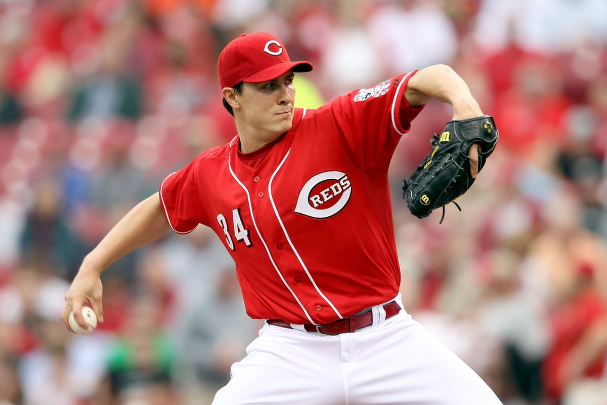 CINCINNATI, OH - APRIL 26:  Homer Bailey #34 of the Cincinnati Reds throws a pitch during the game against the San Francisco Giants at Great American Ball Park on April 26, 2012 in Cincinnati, Ohio.  (Photo by Andy Lyons/Getty Images)