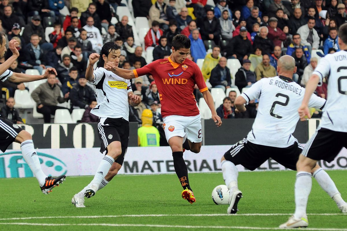 CESENA, ITALY - MAY 13: Erik Lamela # 8 of AS Roma scores his team's second goal during the Serie A match between AC Cesena and AS Roma at Dino Manuzzi Stadium on May 13, 2012 in Cesena, Italy.  (Photo by Mario Carlini / Iguana Press/Getty Images)