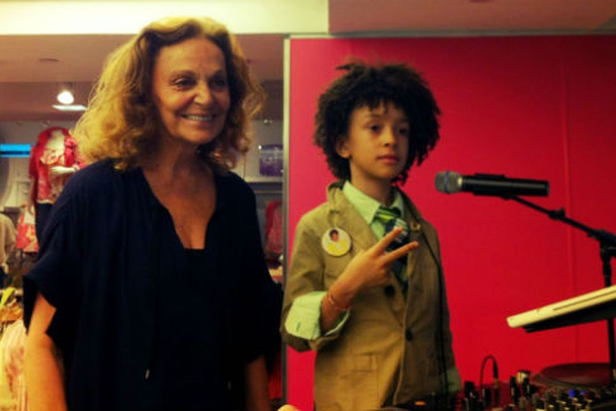 DVF gets down with DJ Fulano at the NY launch of her GapKids collab last night