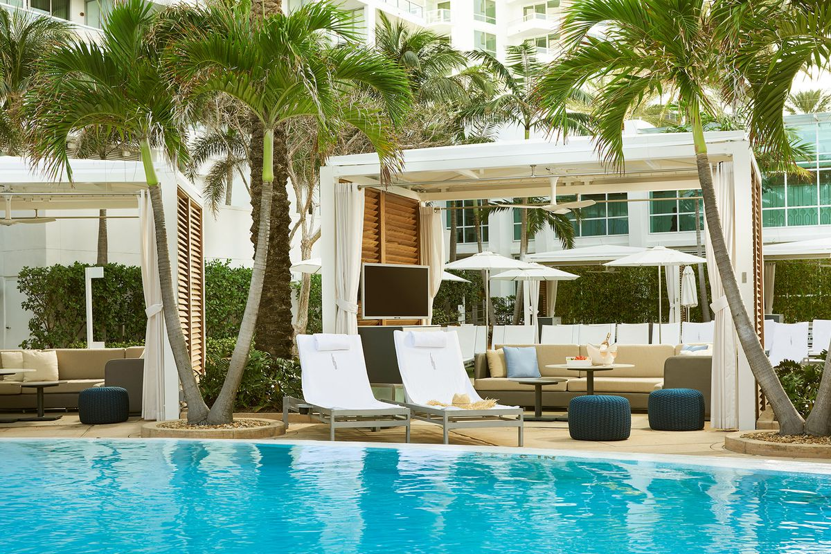 Fontainebleau Miami Beach Hotel By Luxury Suites International