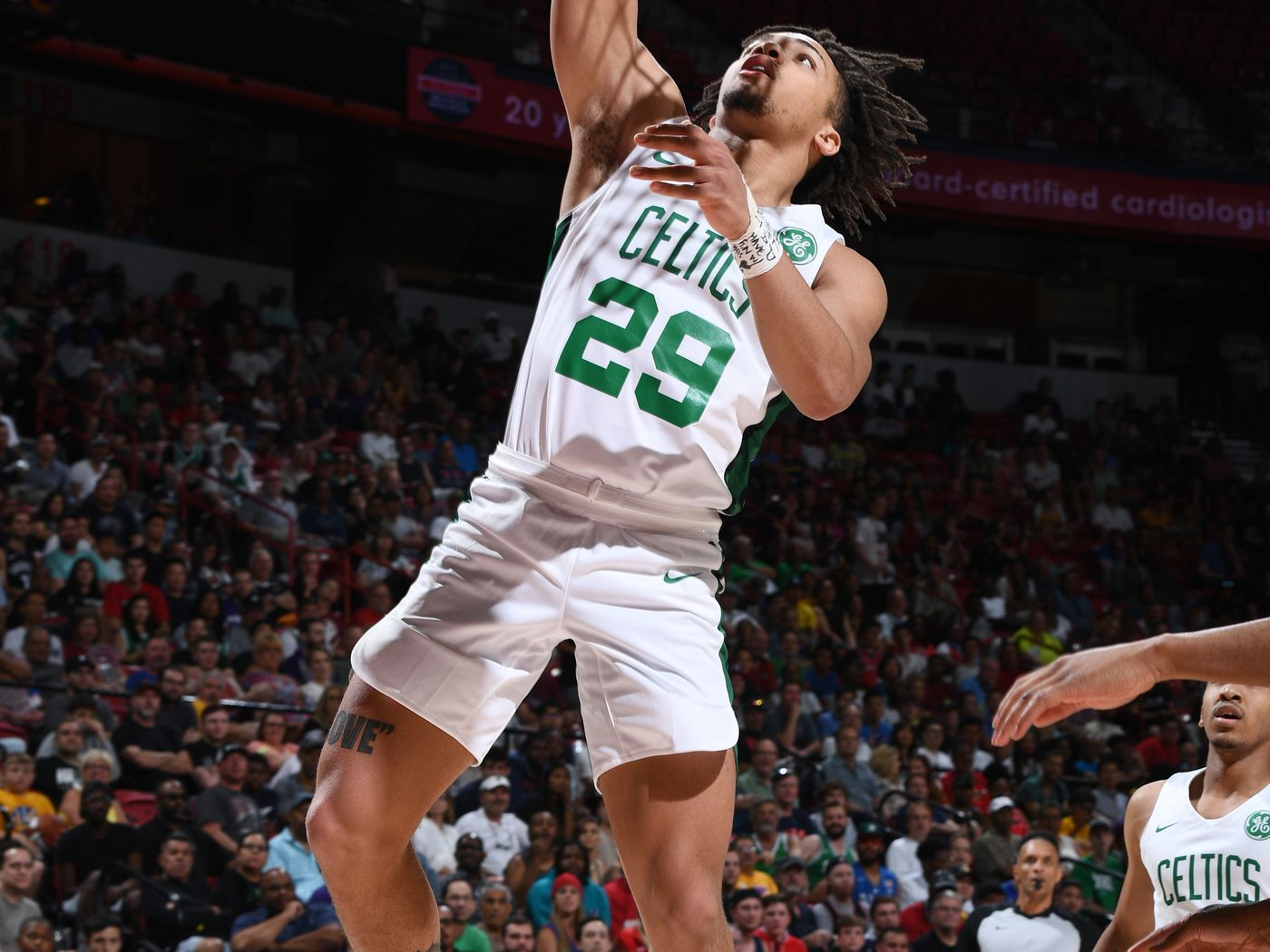 Boilers In The Pros Celtics Fans Love Carsen Edwards Hammer And Rails