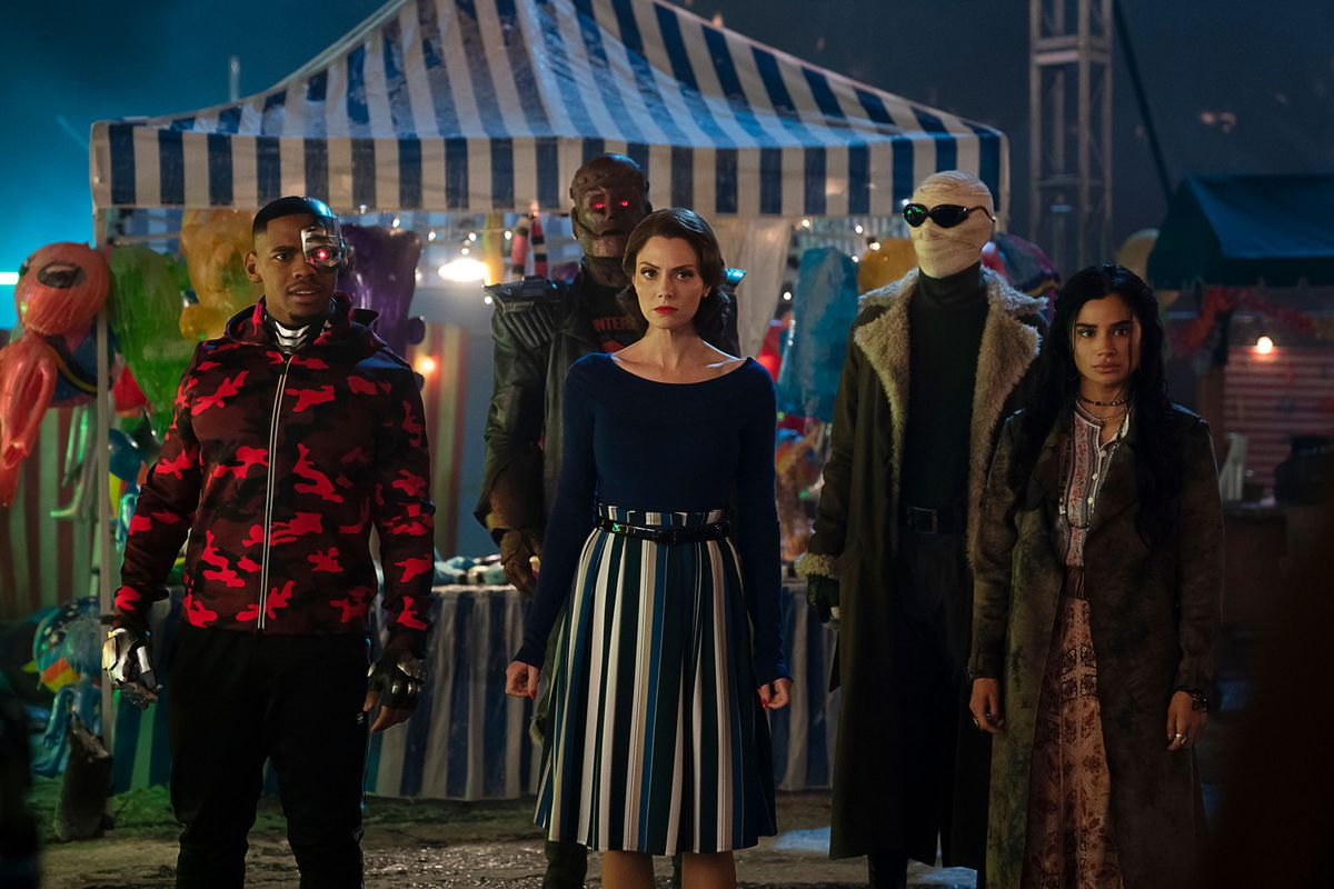 Cyborg, Robotman, Crazy Jane, Negative Man, Elasti-Woman in episode 209 of Doom Patrol