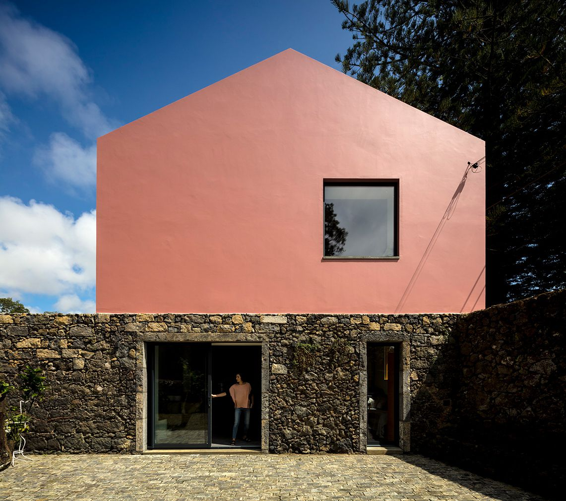 Look For Rental Homes: Portuguese 'Pink House' Is Available To Rent For Your Next