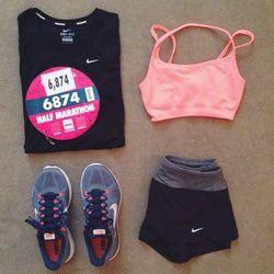 "Jacey of <a href=""http://www.damselindior.com""target=""_blank"">Damsel in Dior</a> wears Nike fitness gear."