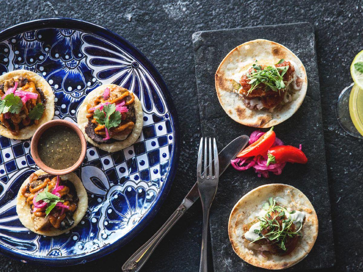 tacos at Loló