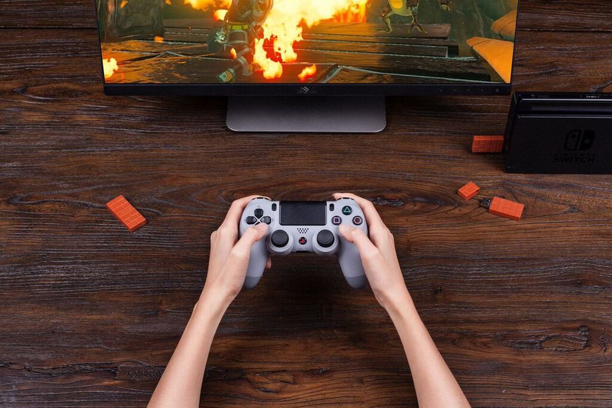 This Tiny Usb Adapter Lets You Use A Ps4 Controller With A