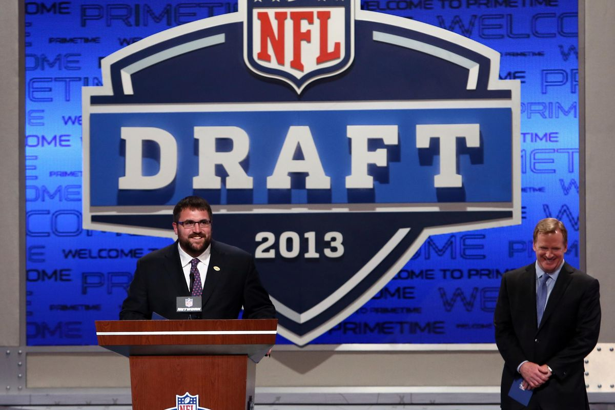 Rich Seubert announces the selection of Johnathan Hankins