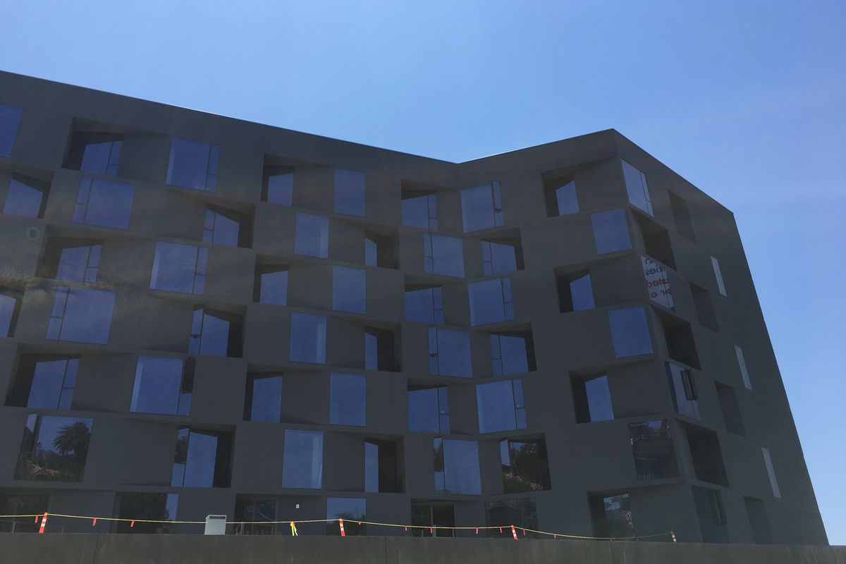 Condos in hulking Sunset Strip complex will become extended-stay ...