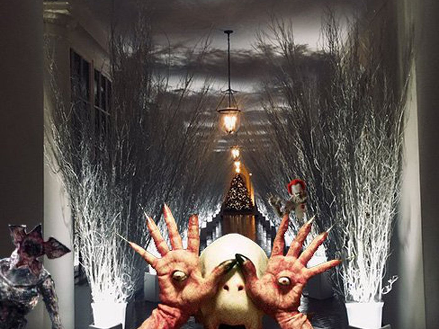 is melania trumps white house christmas aesthetic angelic or horrific vox