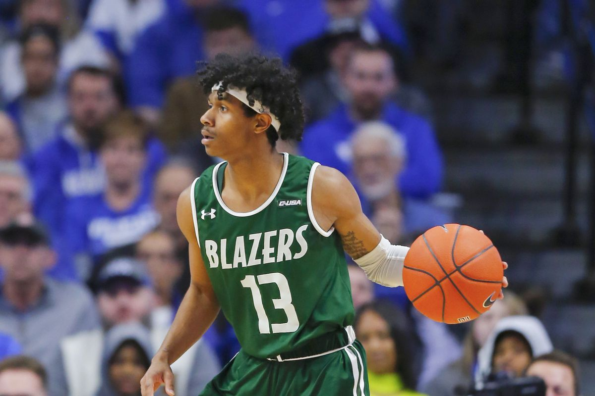 UAB Blazers guard Jalen Benjamin dribbles the ball against the Kentucky Wildcats in the second half at Rupp Arena.