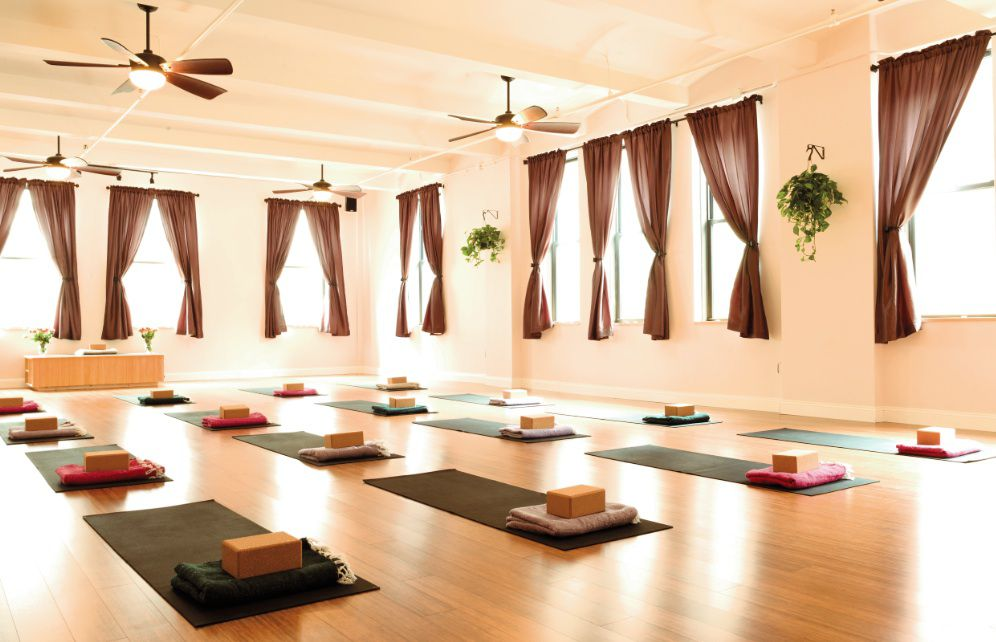 12 Of The Cheapest Yoga Studios In New York City Racked Ny