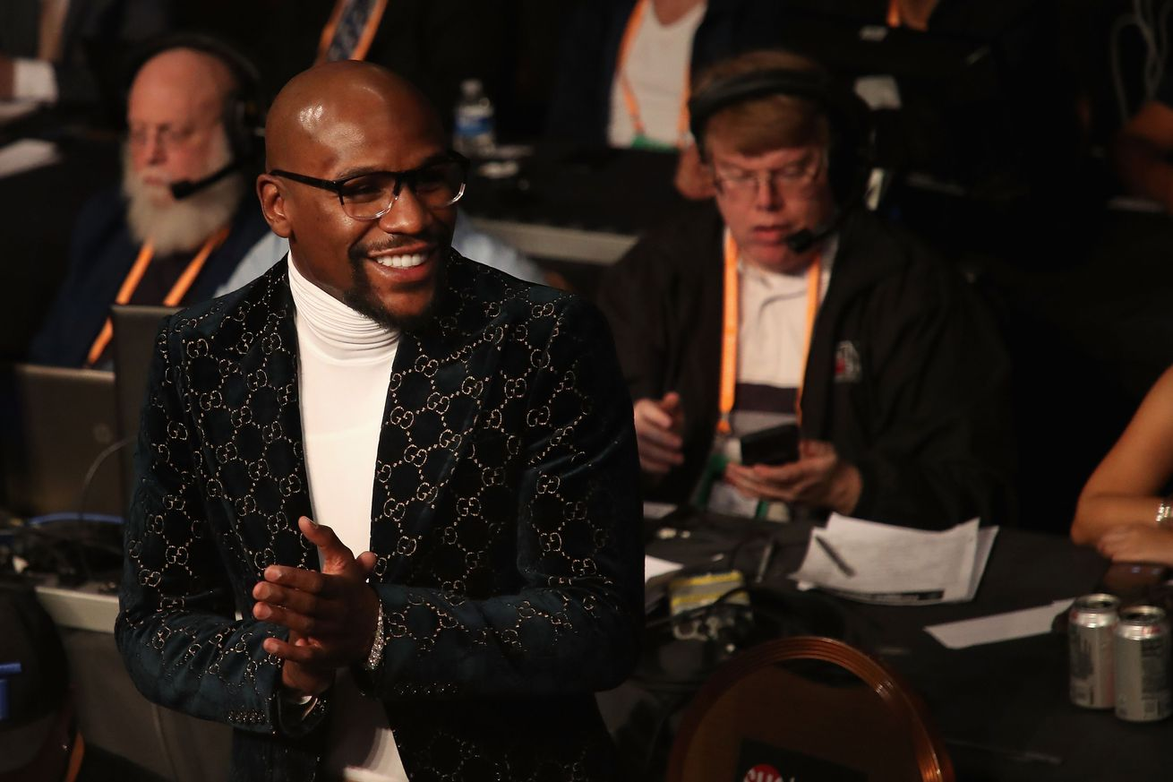 1097013622.jpg.0 - Mayweather to return for more exhibition fights, claims he has $80M in offers
