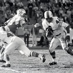 Cornerback Butch Byrd of the Bufflao Bills returns a punt 74 yards for a touchdown in a 23-0 win over the San Diego Chargers in the 1965 AFL Championship game on December 26, 1965 at Balboa Stadium in San Diego, California.