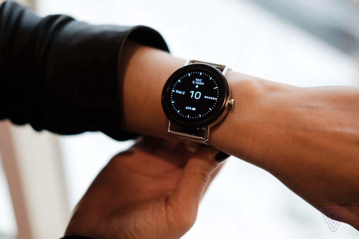 8e12e418f Falster: Skagen's first touchscreen smartwatch - The Verge