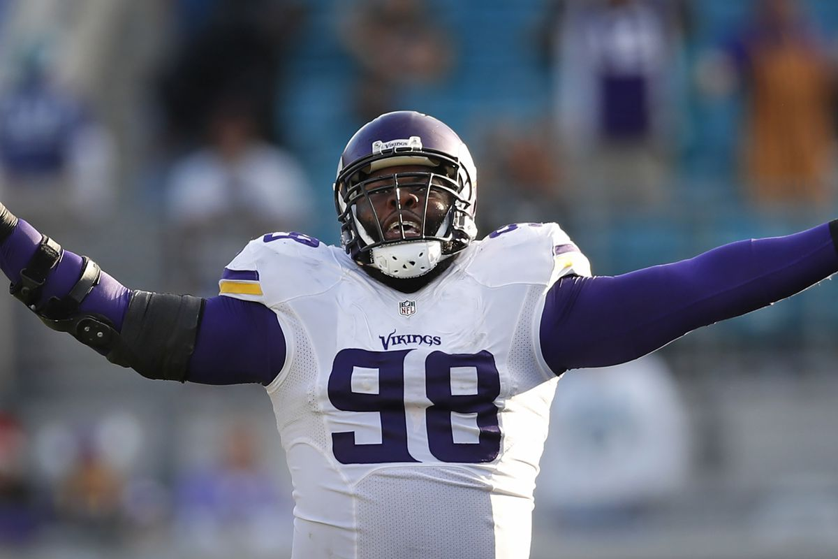 Minnesota Vikings defensive tackle Linval Joseph (98) blocked a 61 yard field goal attempt at EverBank field Sunday December 11,2016 in Jacksonville, Florida. ] The Vikings beat the Jacksonville Jaguars 25-16 at EverBank Feld. Jerry Holt / jerry. Holt@