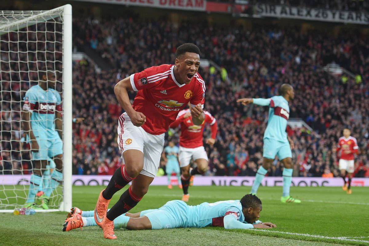 Manchester United v West Ham United - The Emirates FA Cup Sixth Round Replay