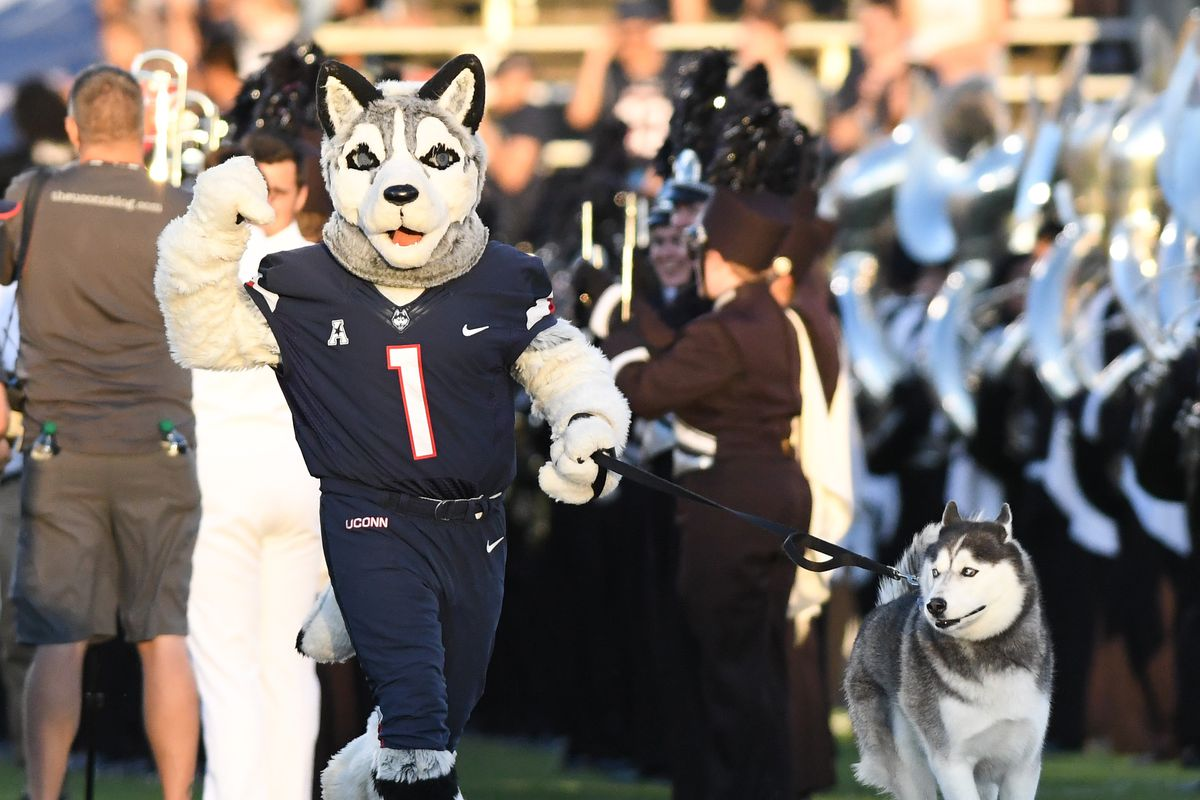COLLEGE FOOTBALL: AUG 30 UCF at UConn