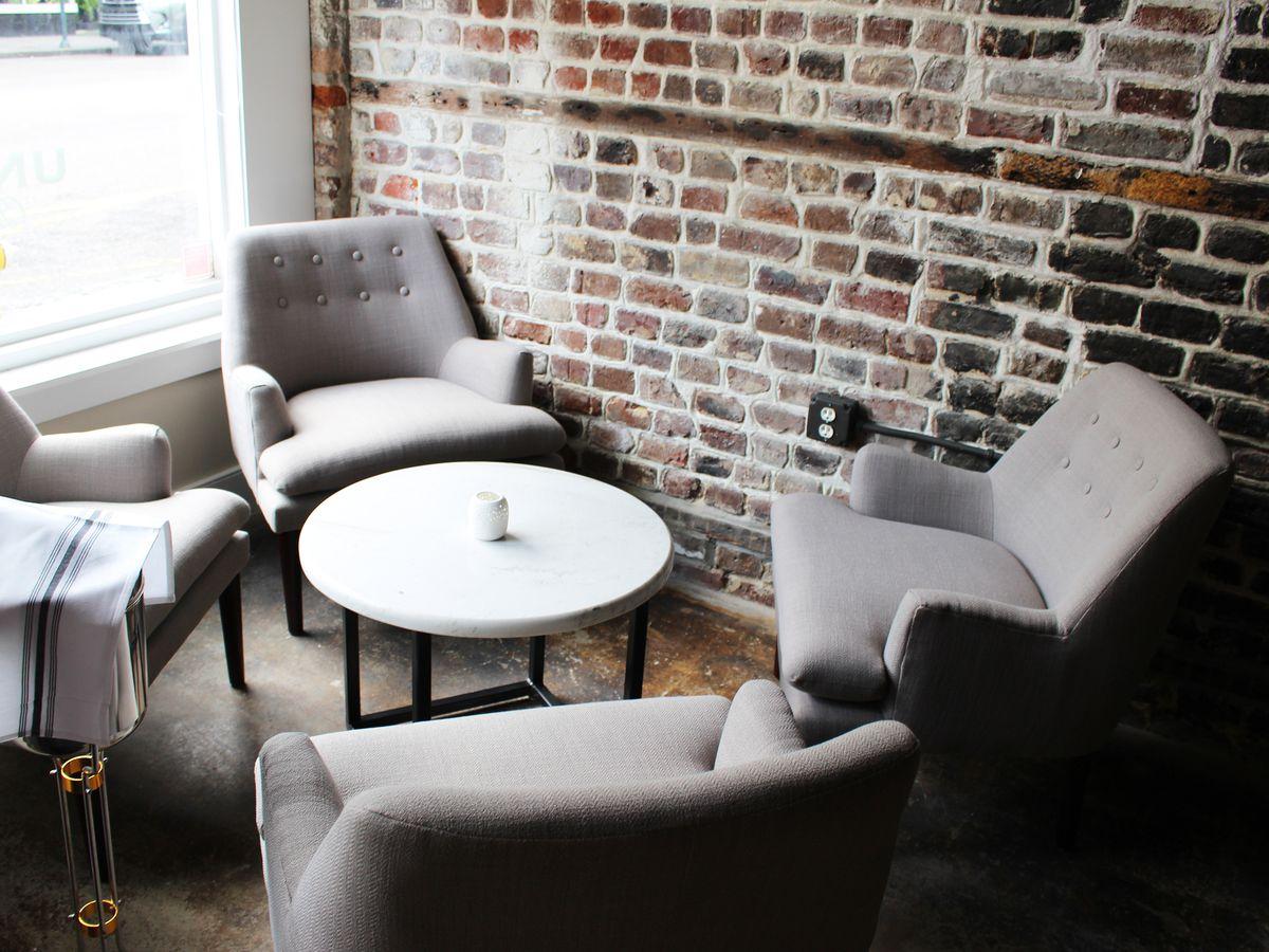 Grab A Glass Of Wine At These 10 Charleston Bars Eater Carolinas,Italia Ricci Designated Survivor Season 1